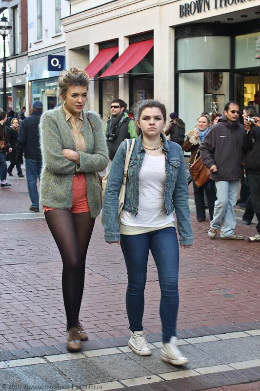 Вколготках на улице города фото 412-38