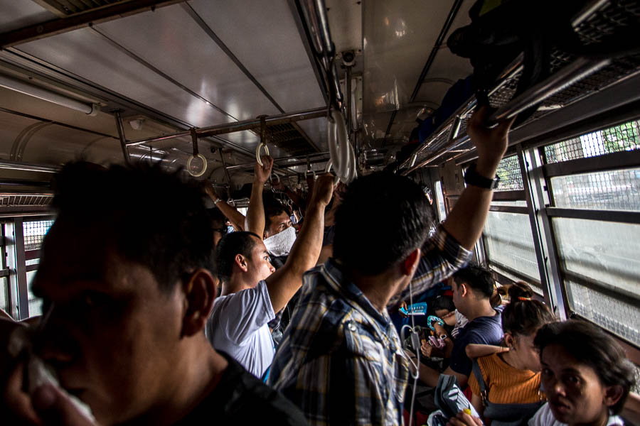 Выстрелы и взрыв в Маниле (cо мной все хорошо)
