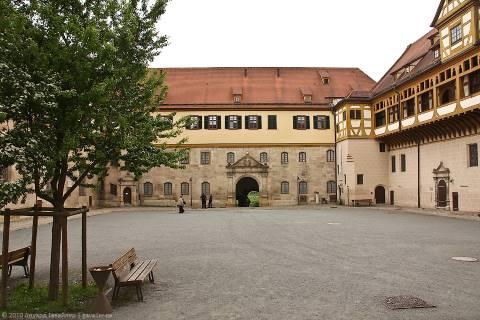 Детали Тюбингена и замок Хоэнтюбинген