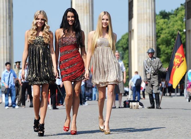 Минет тремя девушками онлайн