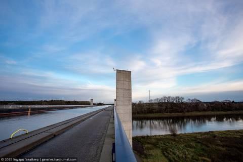 Самый большой водный мост в мире