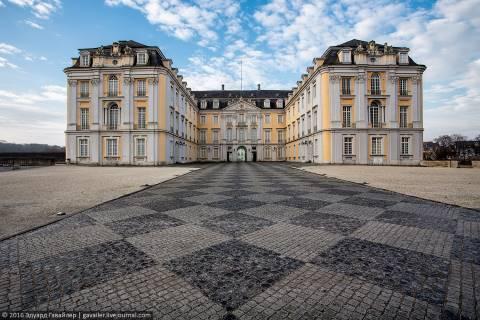 Из Кёльна на экскурсию в дворцовый Брюль