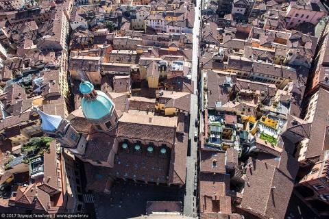 Болонья — город аркад и галерей