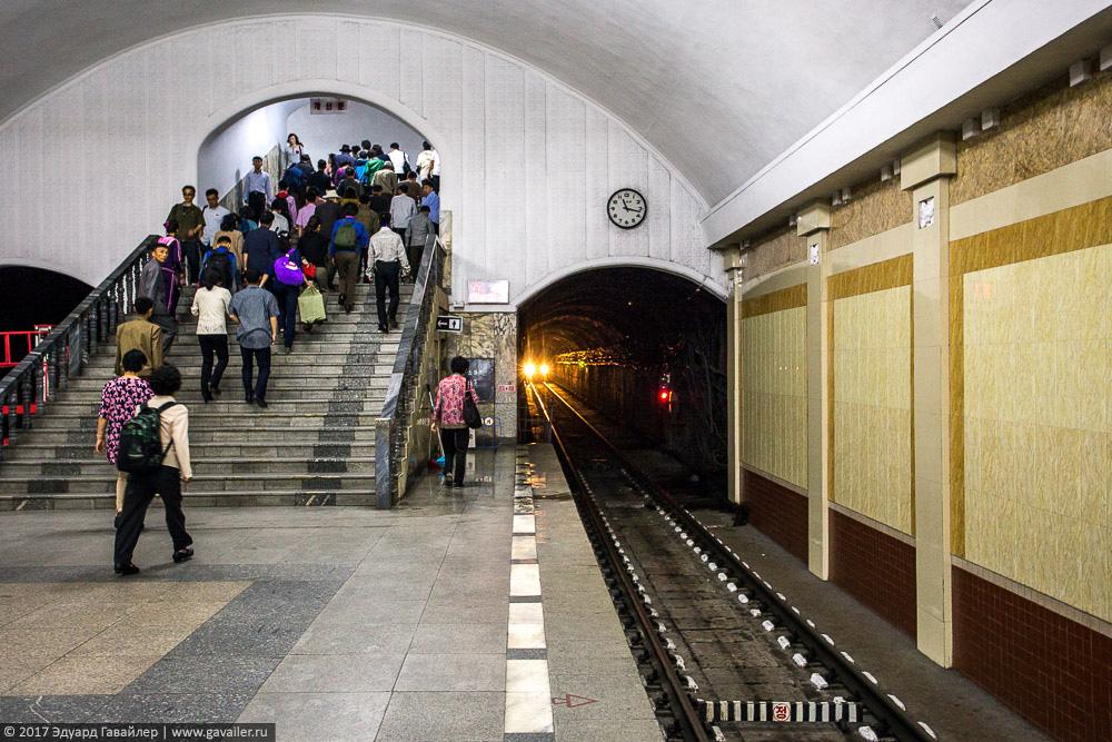 Метро в Пхеньяне — самое таинственное метро в мире Часть, Северной, Корее, метро, самое, Северокорейские, Кореи, Корея, Северная, Пхеньяне, Улицы, Пхеньяна, Магазины, таинственное, ресторанах, Метро, Пхеньян, Понравилась, женщины, музей