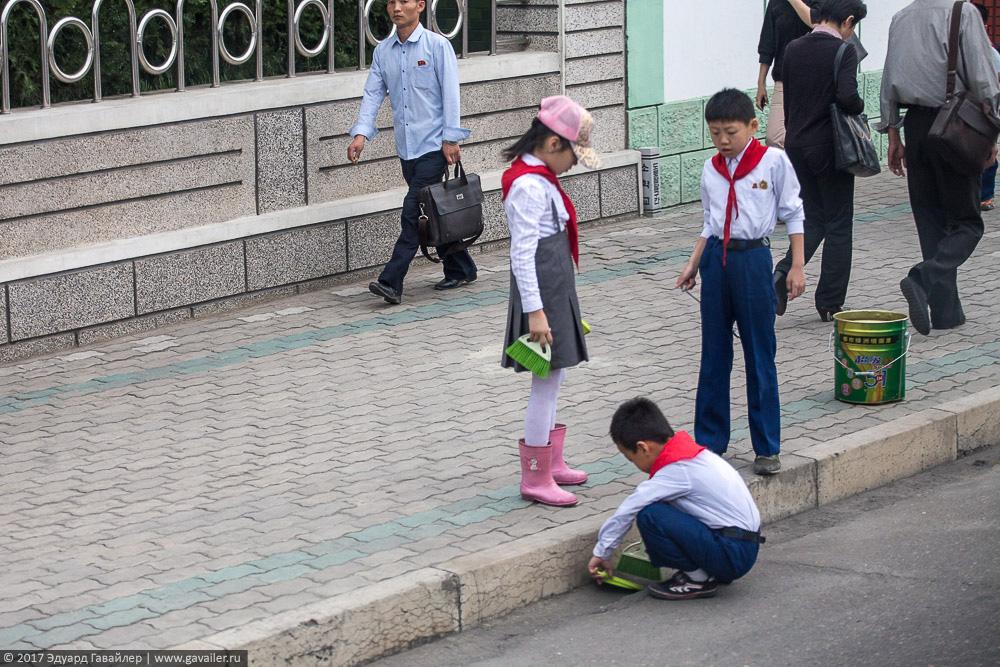 Дети в Северной Корее Часть, Северной, Корее, школу, фотографии, Кореи, Северокорейские, Корея, Северная, Пхеньяна, буддийский, Понравилась, ресторанах, Магазины, Улицы, женщины, Пхеньян, Лучшие, фактов, вождям