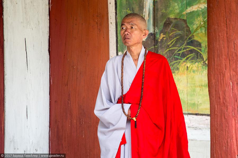 Гора Мёхянсан, музей подарков вождям и буддийский храм