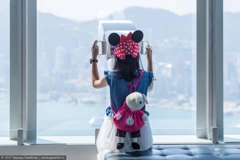 Виды на Гонконг с полукилометрового небоскрёба