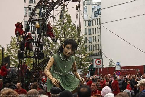 Великаны в Берлине и День объединения