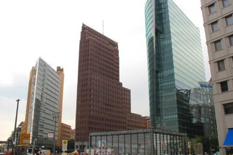 Кольхоф-Тауэр и Потсдамская площадь