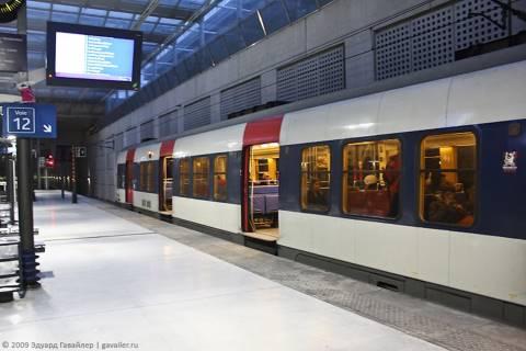 Аэропорт и метро в Париже