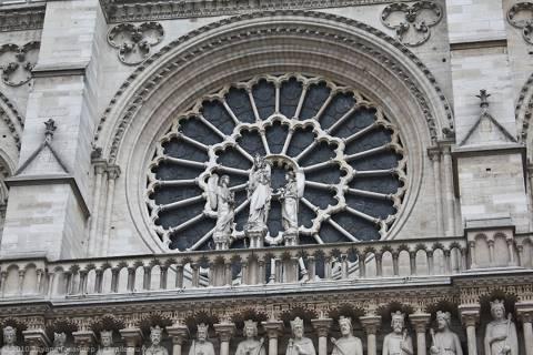 Собор Парижской Богоматери и Париж 1 января